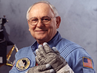 Hire Alan Bean as
