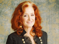 Book Bonnie Raitt for your next corporate event, function, or private party.