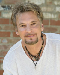 Book Kenny Loggins for your next corporate event, function, or private party.