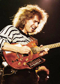 Book Pat Metheny for your next corporate event, function, or private party.