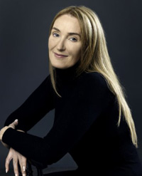 Book Lisa Gerrard for your next corporate event, function, or private party.