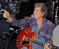 Book Elvin Bishop for your next corporate event, function, or private party.
