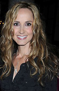 Book Chely Wright for your next corporate event, function, or private party.