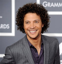 Book Justin Guarini for your next corporate event, function, or private party.