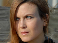 Book Juliana Hatfield for your next corporate event, function, or private party.
