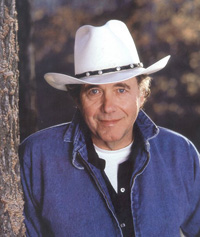 Book Bobby Bare for your next corporate event, function, or private party.