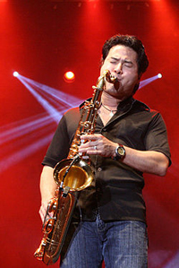 Book Jeff Kashiwa for your next corporate event, function, or private party.