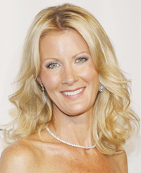 Book Sandra Lee for your next corporate event, function, or private party.