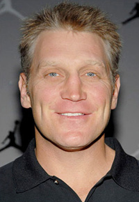 Book Brett Hull for your next corporate event, function, or private party.