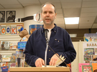 Book Douglas Coupland for your next corporate event, function, or private party.