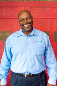 Book Dwight Stephenson for your next corporate event, function, or private party.