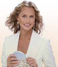 Book Lauren Hutton for your next corporate event, function, or private party.