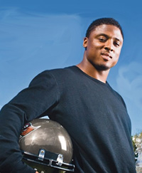 Book Warrick Dunn for your next corporate event, function, or private party.