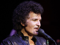 Book Gino Vannelli for your next corporate event, function, or private party.