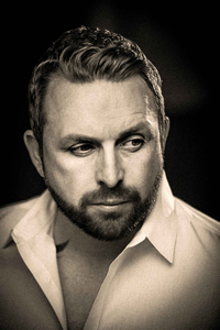 Book Johnny Reid for your next corporate event, function, or private party.