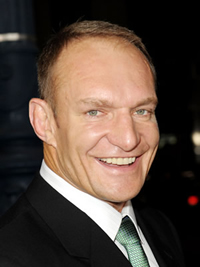Book Francois Pienaar for your next corporate event, function, or private party.