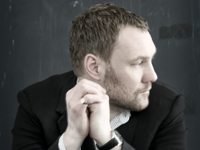 Book David Gray for your next corporate event, function, or private party.