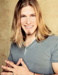 Book Jason Michael Carroll for your next corporate event, function, or private party.