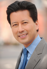 Book Kenji Yoshino for your next corporate event, function, or private party.