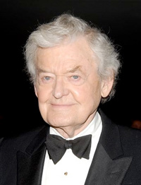 Book Hal Holbrook for your next corporate event, function, or private party.