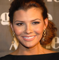 Book Ali Landry for your next corporate event, function, or private party.