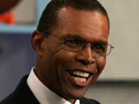 Book Gale Sayers for your next corporate event, function, or private party.