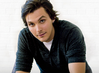 Book Charlie Worsham for your next corporate event, function, or private party.