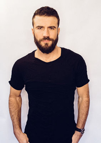 Book Sam Hunt for your next corporate event, function, or private party.