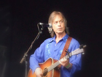 Book Jim Lauderdale for your next corporate event, function, or private party.