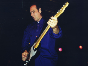 Book Dave Davies for your next corporate event, function, or private party.