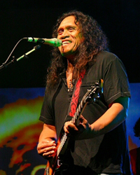 Book Henry Kapono for your next corporate event, function, or private party.