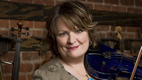 Book Eileen Ivers for your next corporate event, function, or private party.