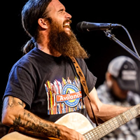 Book Cody Jinks for your next corporate event, function, or private party.