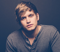 Book Levi Hummon for your next corporate event, function, or private party.