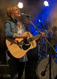 Book Laura Marling for your next corporate event, function, or private party.