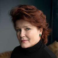 Book Kate Mulgrew for your next corporate event, function, or private party.