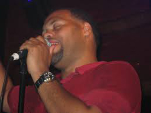 Book Eric Roberson for your next corporate event, function, or private party.