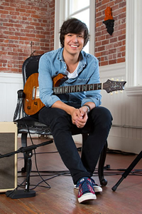 Book Davy Knowles for your next corporate event, function, or private party.