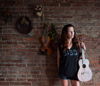Book Amanda Shires for your next corporate event, function, or private party.