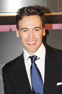 Book Erich Bergen for your next corporate event, function, or private party.