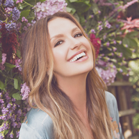 Book Carly Pearce for your next corporate event, function, or private party.