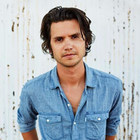 Book Steve Moakler for your next corporate event, function, or private party.