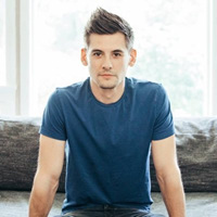 Book Adam Cappa for your next corporate event, function, or private party.