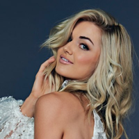 Book Lindsay Arnold for your next corporate event, function, or private party.