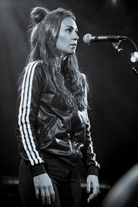 Book Amy Shark for your next corporate event, function, or private party.