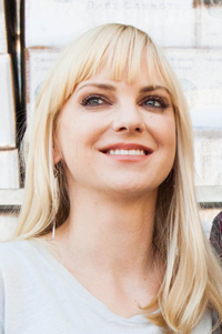 Book Anna Faris for your next corporate event, function, or private party.