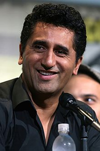 Book Cliff Curtis for your next corporate event, function, or private party.