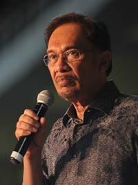 Book Anwar Ibrahim for your next corporate event, function, or private party.