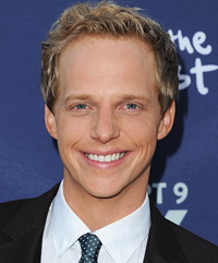 Book Chris Geere for your next corporate event, function, or private party.