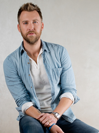 Book Charles Kelley for your next corporate event, function, or private party.